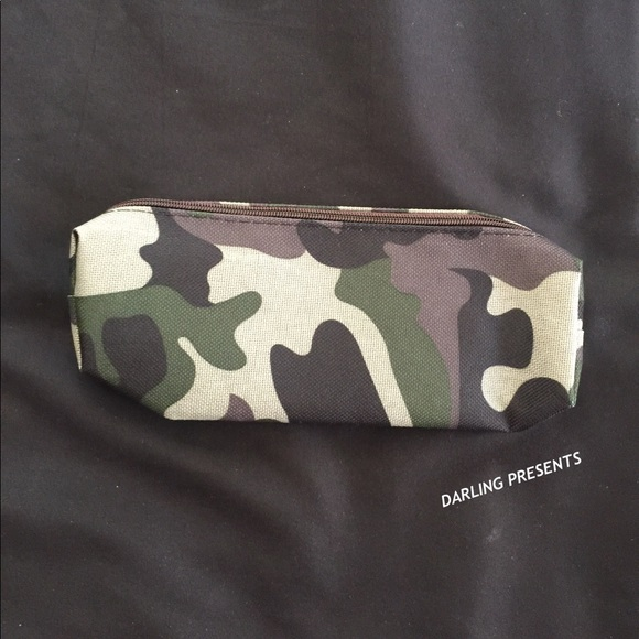 DARLING Handbags - GREEN CAMOUFLAGE PRINT CANVAS CASE